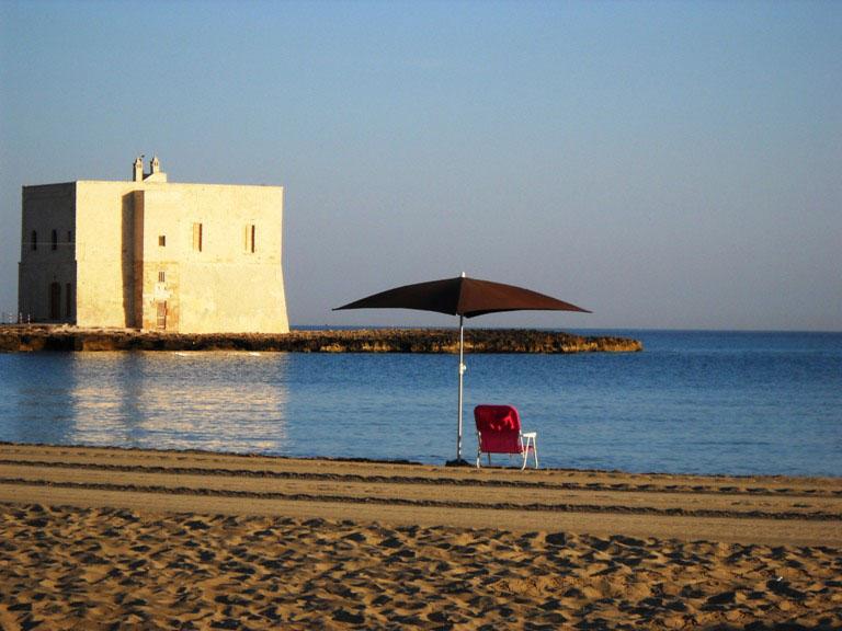 Il pilone una delle pi belle spiagge di ostuni - Immagini da colorare la spiaggia ...